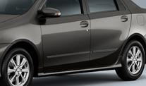 Molduras laterales (Hatchback y Sedán)
