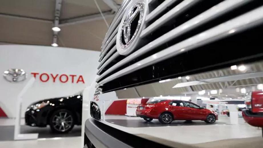 Los autos ecológicos protagonizan el stand Toyota del Salón del Automóvil
