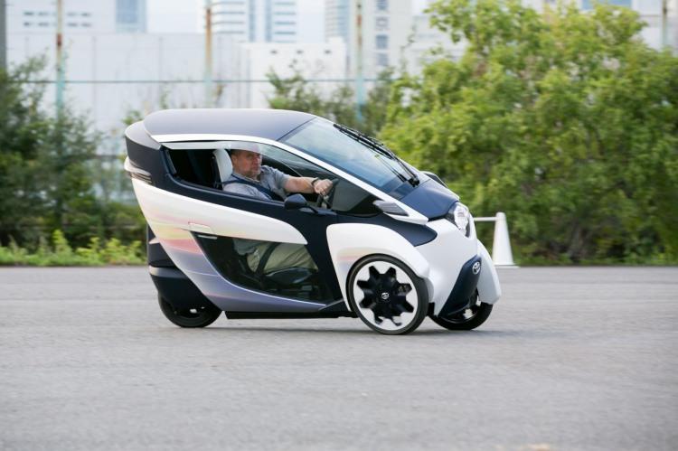 Toyota realiza el primer testdrive masivo de su nuevo modelo i-Road